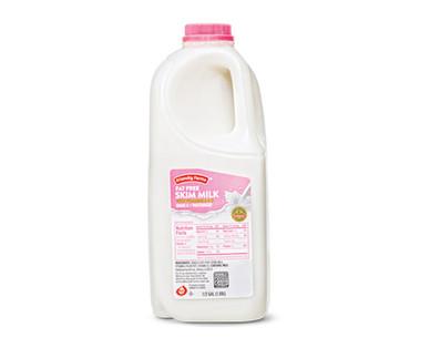 Friendly Farms Skim Milk 1/2 Gallon