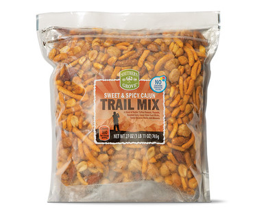 Southern Grove Sweet & Spicy Cajun Trail Mix