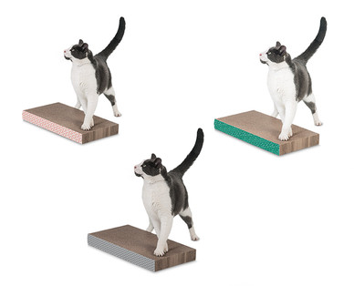 Heart to Tail Cat Scratcher with Catnip View 2