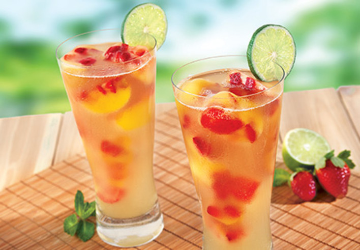 Fruit-Flavored Iced Green Tea