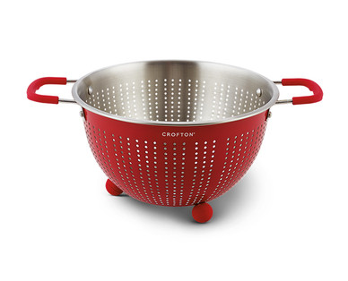 Crofton 5-Quart Colander View 1
