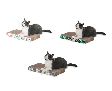 Heart to Tail Cat Scratcher with Catnip View 1