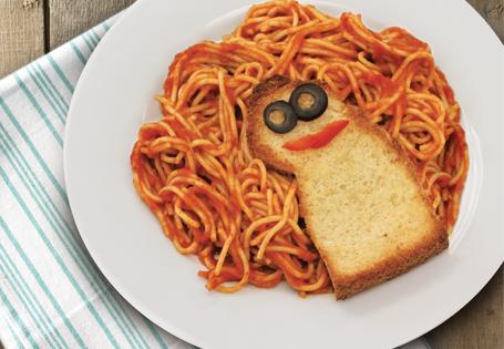 Messy Locks Pasta and Garlic Bread