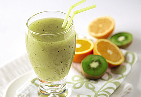 Kiwi, Orange and Apple Smoothie