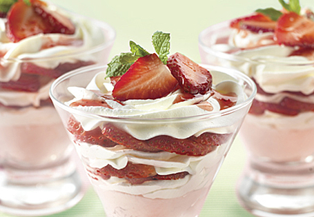Strawberry Cream Bites