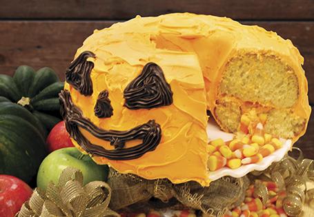 Jack-O'-Lantern Piñata Cake