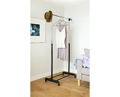 Easy Home Expandable Garment Rack View 2