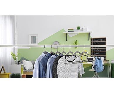 Easy Home 10-Pack Velvet Touch Hangers View 4