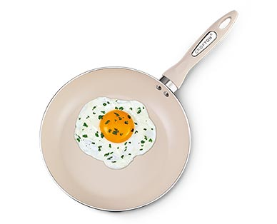Crofton Spring Fry Pan Gold In Use