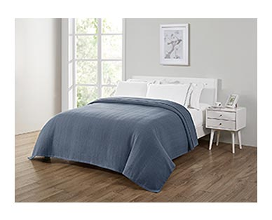 Huntington Home Full/Queen or King Cotton Blanket Blue In Use