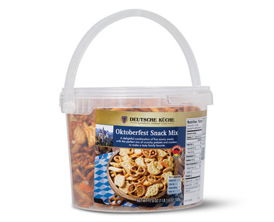 ALDI US Deutsche Küche Oktoberfest Snack Mix Tub
